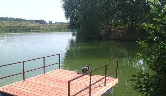 В Харькове на водоеме мужчина пошутил над товарищем так, что тот загремел в больницу