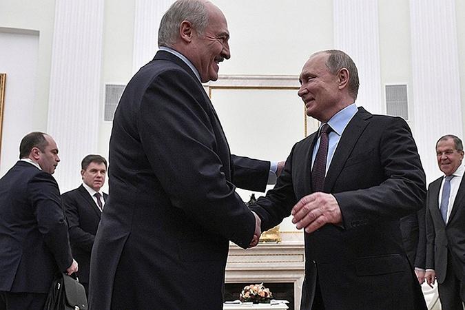 Лукашенко высказался о возвращении Крыма, объединении с Россией и восстановлении Донбасса [фото]