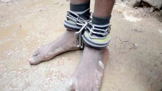 В Нигерии освободили 300 детей, которых приковывали цепями и пытали [фото]