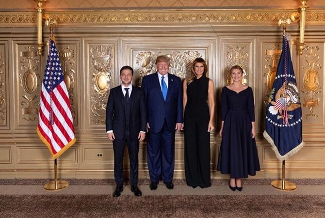 """Зеленские в США: президент показал """"франта"""", а первая леди промахнулась с """"пуританским"""" платьем [фото]"""