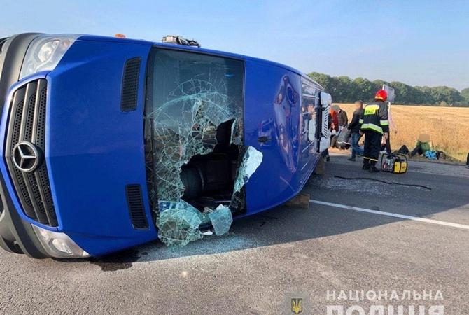 Снова резонансная авария с маршруткой: под Жашковым столкнулись автобус и грузовик  [фото, обновлено в 17:40]