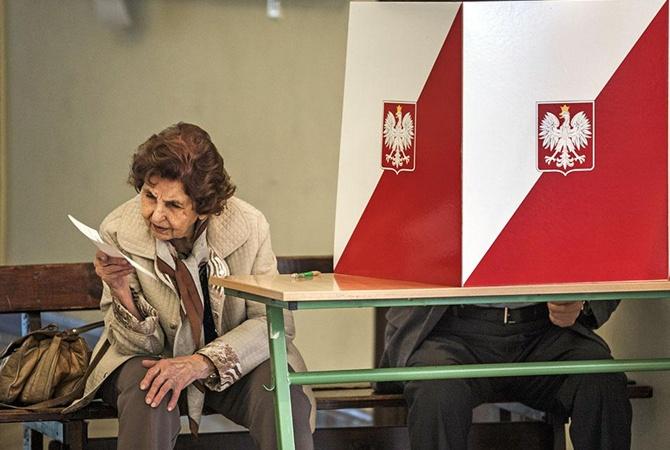 Выборы в Сейм Польши: ЛГБТ, свиньи и антисемитизм [фото, видео]