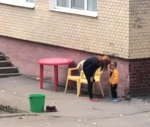 В Одессе уволили воспитателя детсада за агрессивное обращение с малышом [видео]