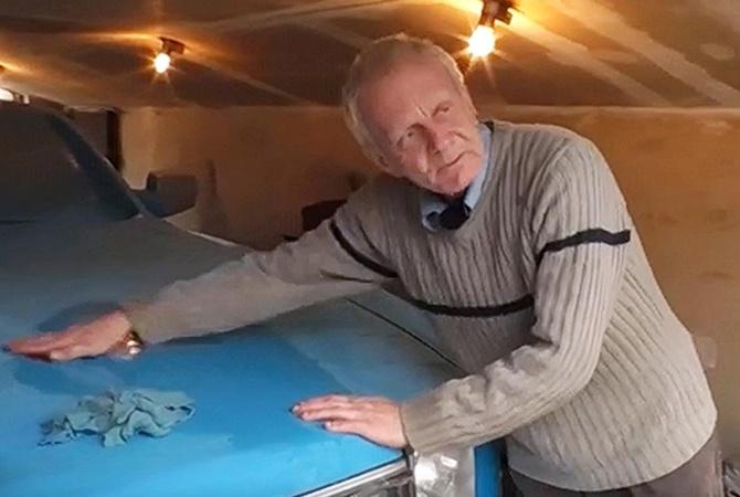 """Пенсионер из Нежина делает в своем гараже """"Роллс-Ройс"""""""
