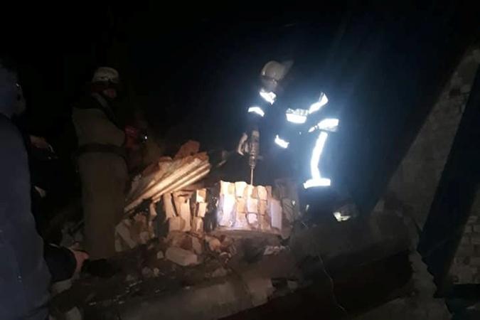 В Харькове в результате обвала стены дома погиб человек [фото]